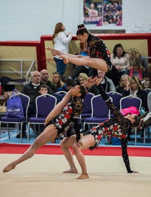 Acrobatic gymnastics trio - paperclip